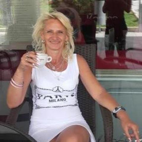 Katalin, 56 éves társkereső nő - Miskolc