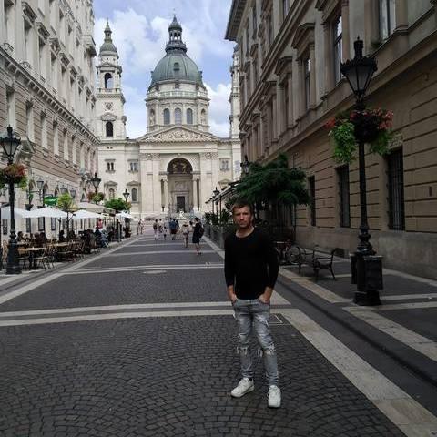 Dániel, 24 éves társkereső férfi - Dunabogdány