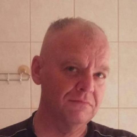 Csabi, 52 éves társkereső férfi - Komló
