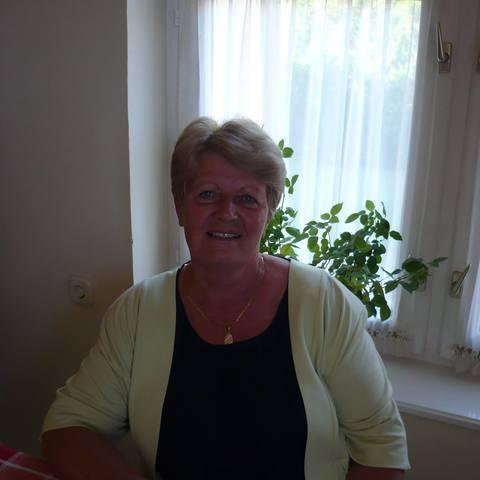 Jánosné, 75 éves társkereső nő - Debrecen