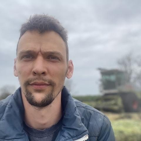 Balázs, 28 éves társkereső férfi - Csanádapáca