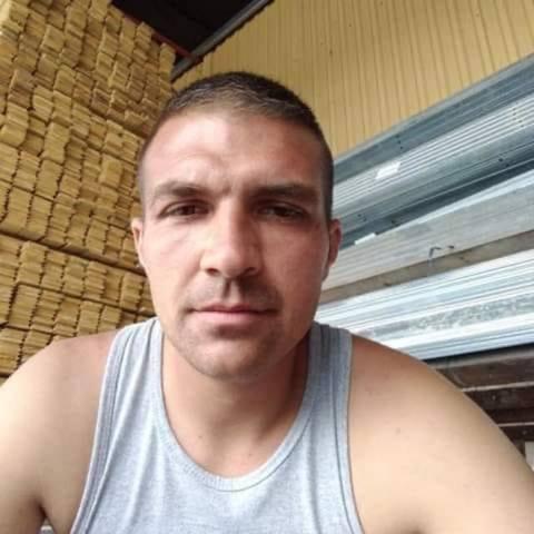 Roland, 21 éves társkereső férfi - Mátészalka