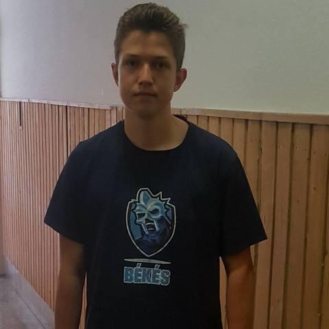 Laci, 17 éves társkereső férfi - Békés