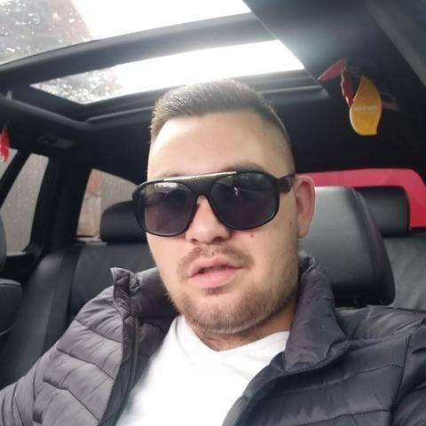 Géza, 22 éves társkereső férfi - Szeged
