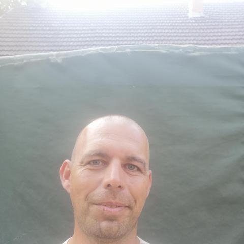Gabi, 44 éves társkereső férfi - Nyíregyháza