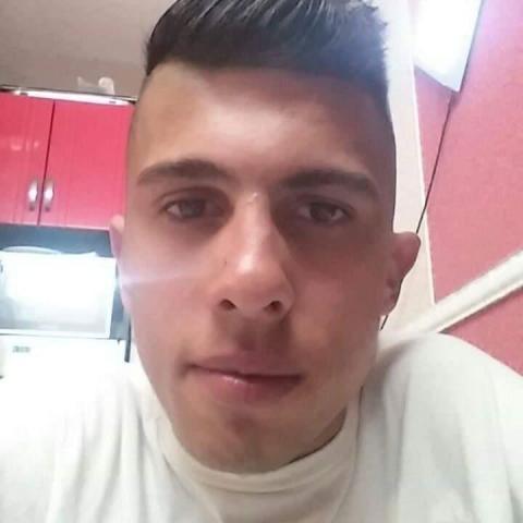 Ricsi, 22 éves társkereső férfi - Levelek