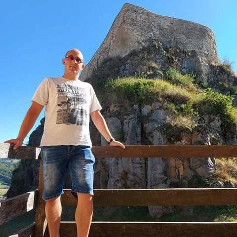 Károly, 29 éves társkereső férfi -