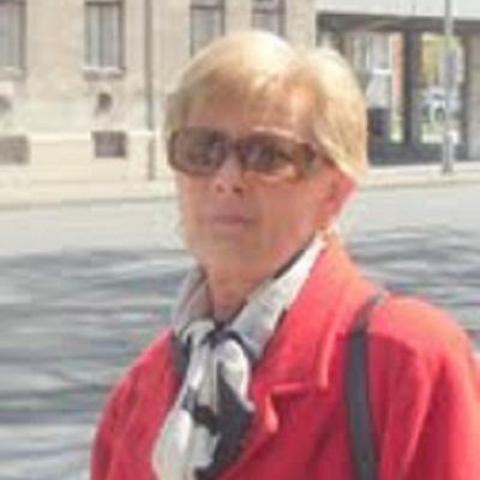 Márta, 70 éves társkereső nő - Pécs