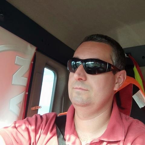 Attila, 33 éves társkereső férfi - Napkor