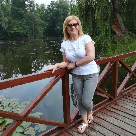 Szilvia , 51 éves társkereső nő - Gyöngyös