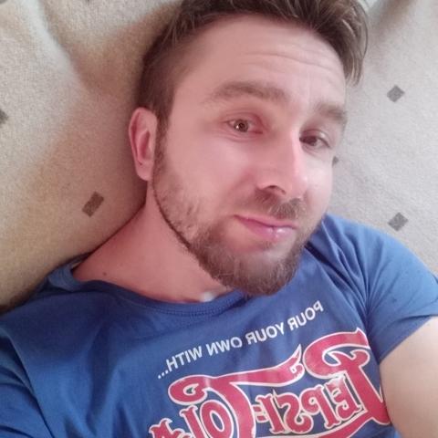 Csaba, 39 éves társkereső férfi - Orosháza