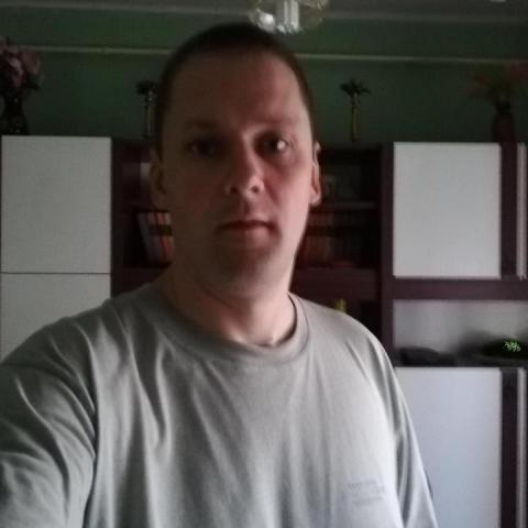 Zsolt, 38 éves társkereső férfi - Galambok