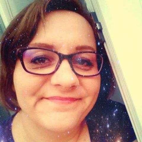 Csilla, 28 éves társkereső nő - Miskolc
