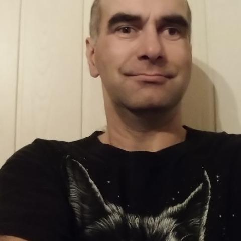 Róbert, 41 éves társkereső férfi - Baracs