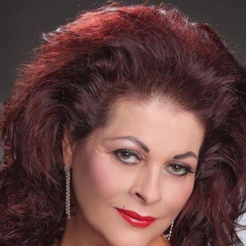 Ninetta, 54 éves társkereső nő - Szeged