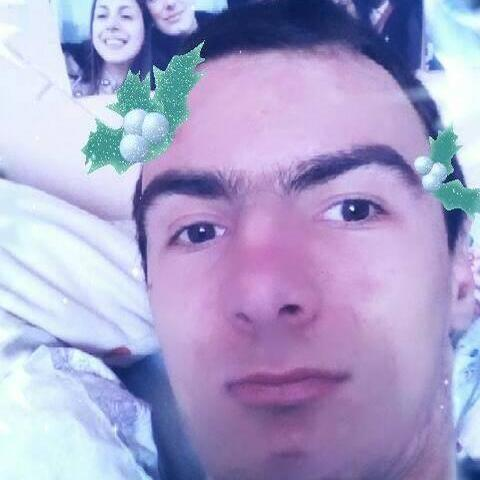 Károly, 19 éves társkereső férfi - Székelyudvarhely