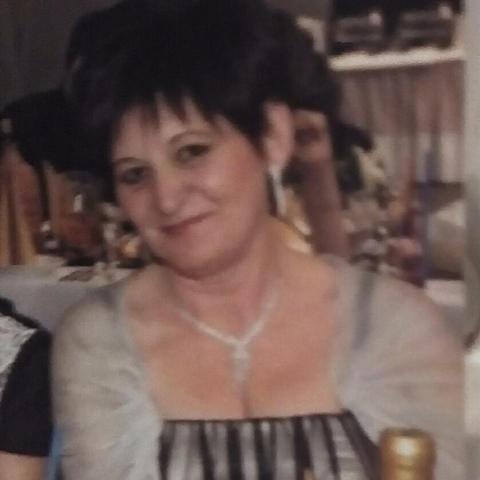 Julianna, 59 éves társkereső nő - Debrecen