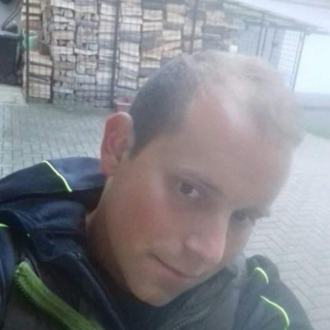 Krisztián, 28 éves társkereső férfi - Kakasd