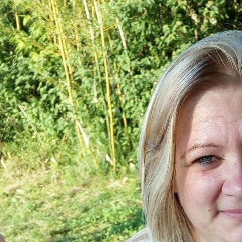 Mónika, 43 éves társkereső nő - Hőgyész