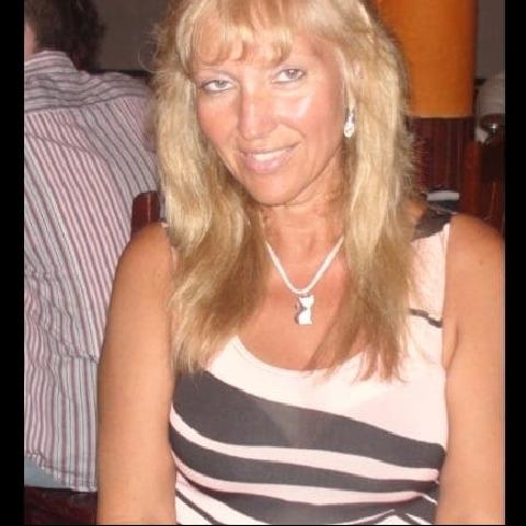 Ágica, 50 éves társkereső nő - Kisláng