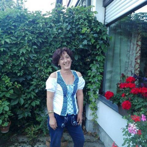 Gabriella, 59 éves társkereső nő - Nagymányok