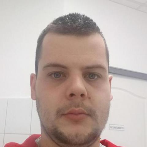 Szabolcs, 25 éves társkereső férfi - Dabas