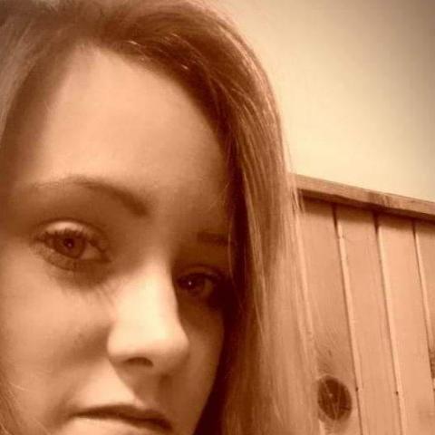 Csilla, 23 éves társkereső nő - Kaposszekcső