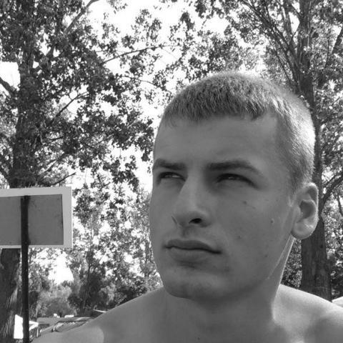 János, 23 éves társkereső férfi - Báta
