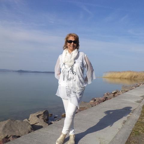 Marcsi , 57 éves társkereső nő - Kaposvár