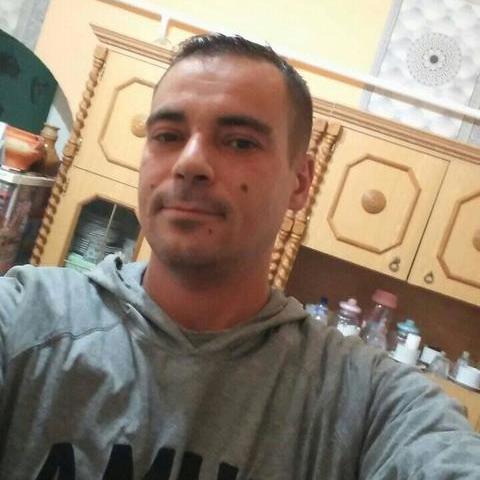 János Gergő, 34 éves társkereső férfi - Zemplénagárd