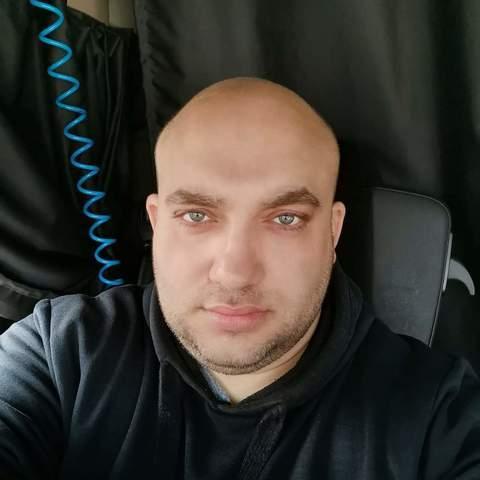 Viktor , 36 éves társkereső férfi - Graz