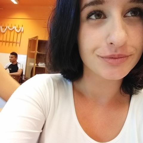 Vivien, 19 éves társkereső nő - Berettyóújfalu