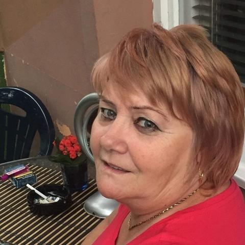 Zsóka, 58 éves társkereső nő - Tiszaújváros