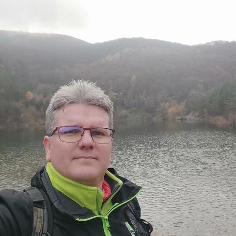 Zoltán, 40 éves társkereső férfi - Bécs