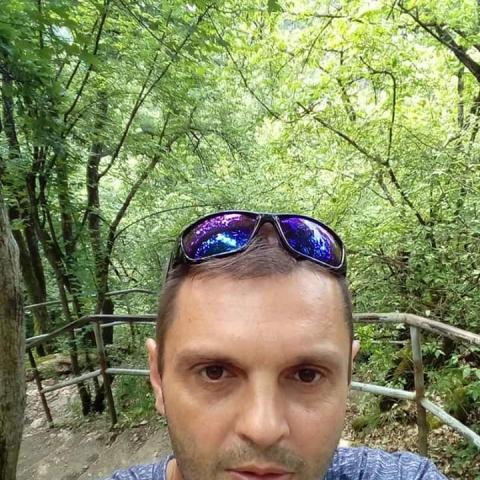 Róbert, 45 éves társkereső férfi - Bánréve