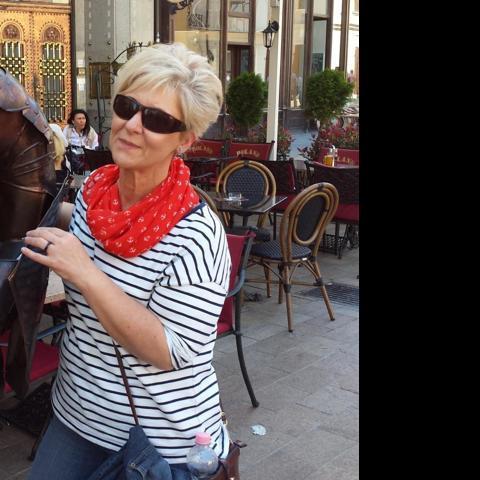 Zsófi, 48 éves társkereső nő - Miskolc