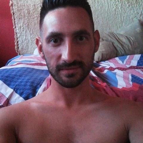 Zsolt, 29 éves társkereső férfi - Tatabánya