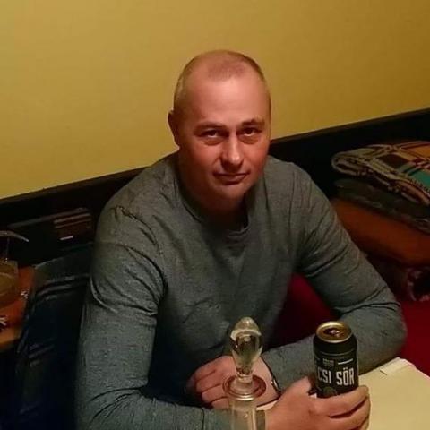 Viktor, 46 éves társkereső férfi - Sátorhely