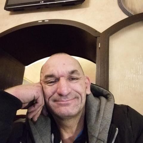 Tomi, 47 éves társkereső férfi - Dunaszerdahely