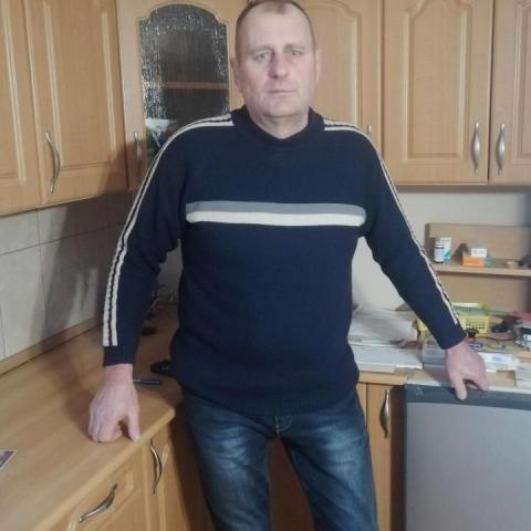 Tibor, 55 éves társkereső férfi - Szirmabesenyő
