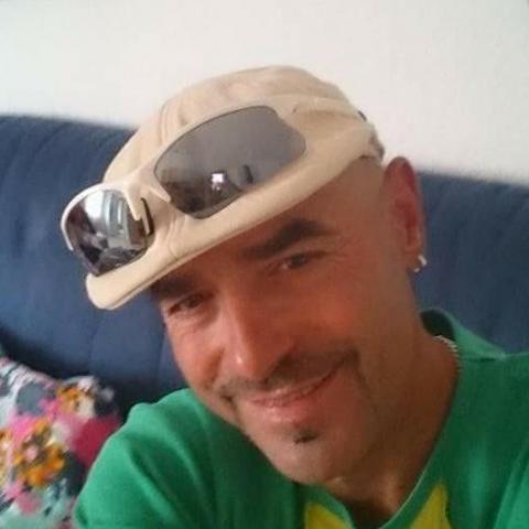 Miki, 47 éves társkereső férfi - Salgótarján