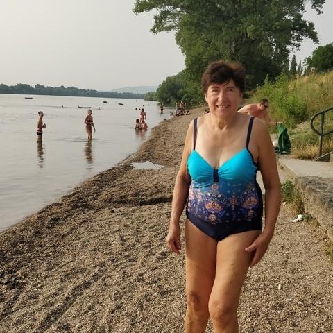 Karolin, 61 éves társkereső nő - Göd