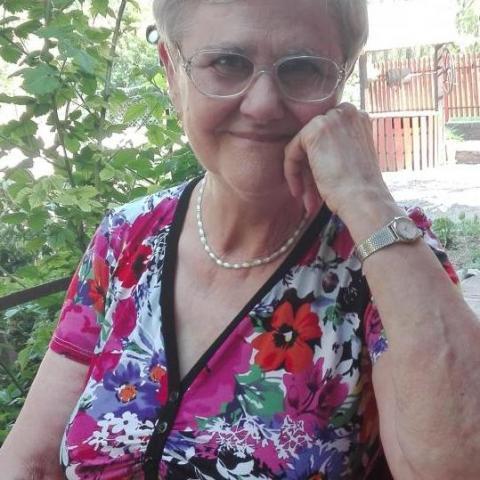 Annamaria, 74 éves társkereső nő - Miskolc