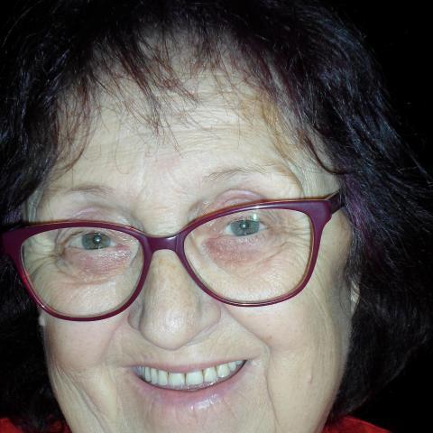 Magdi, 71 éves társkereső nő - Visz