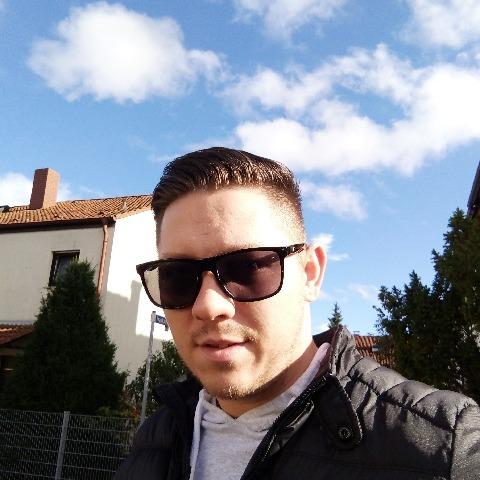 Krisztiàn , 30 éves társkereső férfi - Miskolc