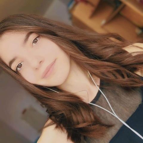 Szandi, 20 éves társkereső nő - Veszprém