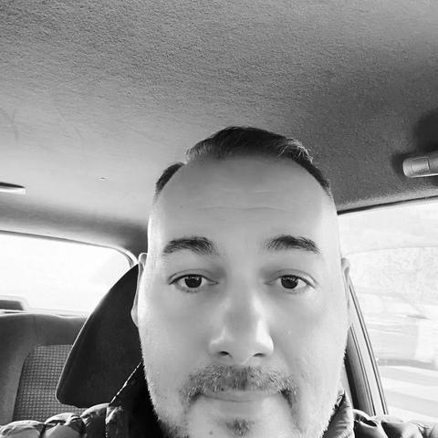 Levente , 39 éves társkereső férfi - Debrecen