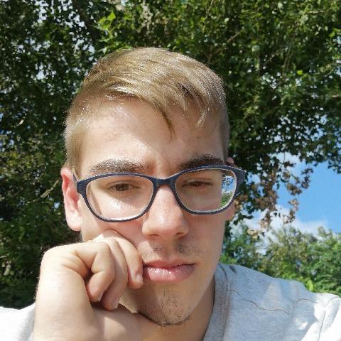 István, 21 éves társkereső férfi - Miskolc