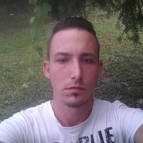Norbert, 23 éves társkereső férfi - Tiszadada