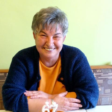 Zsóka, 70 éves társkereső nő - Miskolc